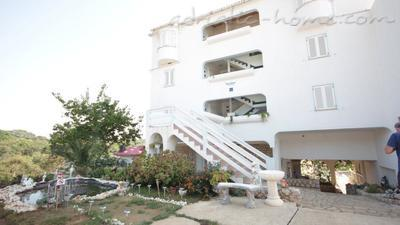 Apartments Apartment with a beautiful sea MacAdams Novalja island Pag, Pag, Croatia - photo 4