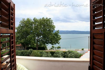 Apartments JURE, Dugi Rat, Croatia - photo 4