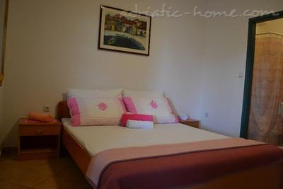 Apartments BULUM, Hvar, Croatia - photo 2