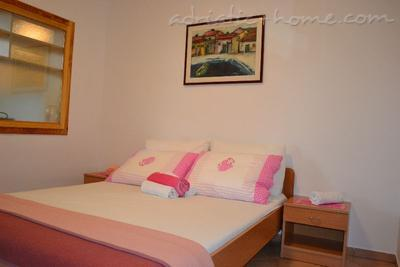 Apartments BULUM, Hvar, Croatia - photo 3