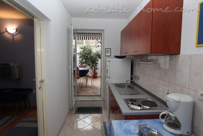 Leiligheter Comfort Apartment with Terrace (4 - 5 Adults), Makarska, Kroatia - bilde 3