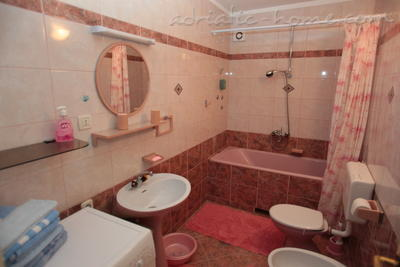 Appartamenti Comfort Apartment with Terrace (4 - 5 Adults), Makarska, Croazia - foto 5