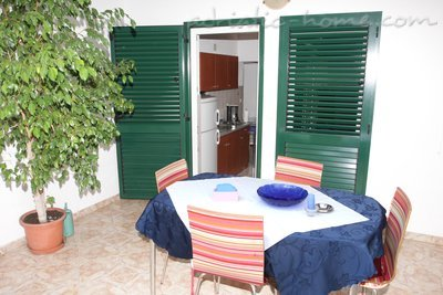 Ferienwohnungen Comfort Apartment with Terrace (4 - 5 Adults), Makarska, Kroatien - Foto 10