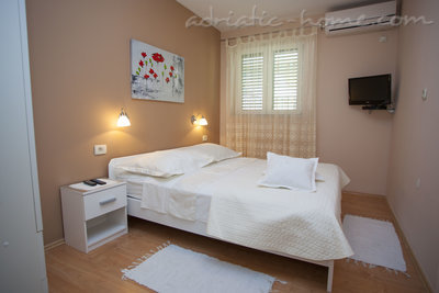 Ferienwohnungen Comfort Apartment with Terrace (4 - 5 Adults), Makarska, Kroatien - Foto 13