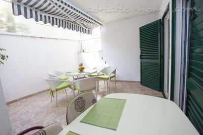 Ferienwohnungen Comfort Apartment with Terrace (4 - 5 Adults), Makarska, Kroatien - Foto 14