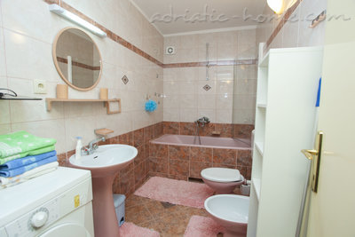 Ferienwohnungen Comfort Apartment with Terrace (4 - 5 Adults), Makarska, Kroatien - Foto 15