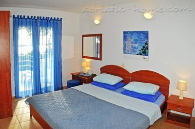 Apartments DEA 3, Hvar, Croatia - photo 2