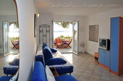 Apartments DEA 3, Hvar, Croatia - photo 3