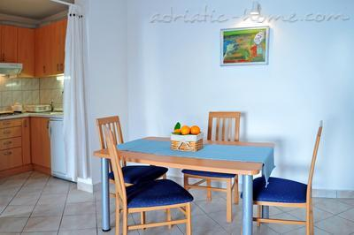 Apartments DEA 3, Hvar, Croatia - photo 4