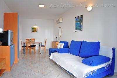 Apartments DEA 3, Hvar, Croatia - photo 5