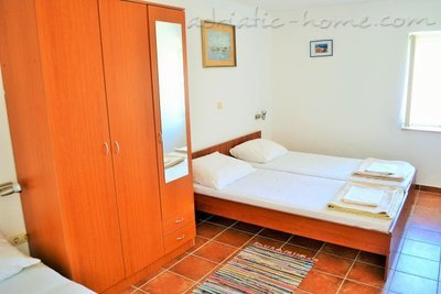 Apartments Slavogost , Trogir, Croatia - photo 6