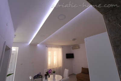 Apartments Villa Flamingo 2-5 person 100m from center, Makarska, Croatia - photo 10