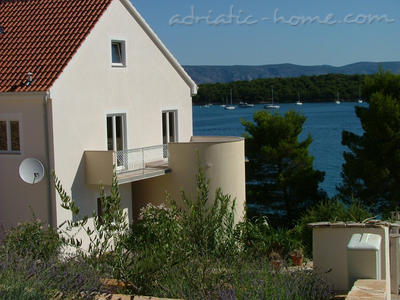 Apartments BLAŠKOVIĆ, Hvar, Croatia - photo 1