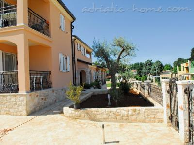 Apartments Villa LARA, Savudrija, Croatia - photo 4