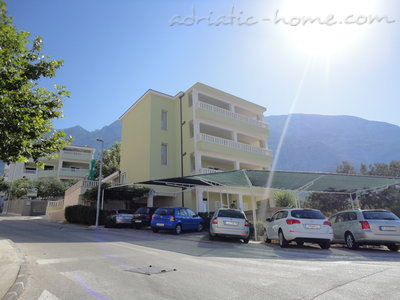 Apartments RADOŠ, Makarska, Croatia - photo 1