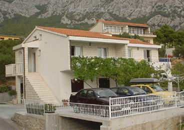 Apartments VILLA MEDUSA II, Makarska, Croatia - photo 2