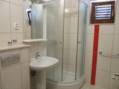 Rooms VILLA FALCON, Podaca, Croatia - photo 5