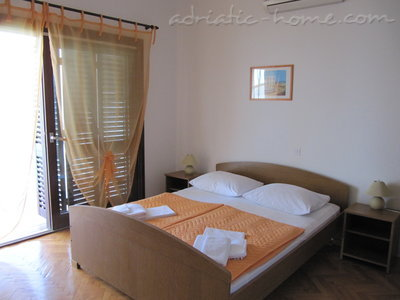Rooms VILLA FALCON, Podaca, Croatia - photo 6