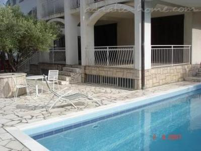 Rooms VILLA FALCON, Podaca, Croatia - photo 2