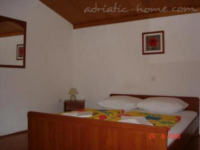 Rooms VILLA FALCON, Podaca, Croatia - photo 10