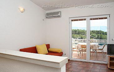 Apartment HABEK IV, Hvar, Croatia - photo 5