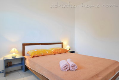 Apartments HABEK 1, Hvar, Croatia - photo 4