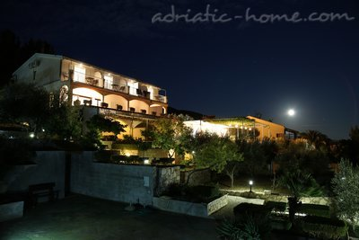 Apartments CAPTAIN RESIDENCE, Hvar, Croatia - photo 9