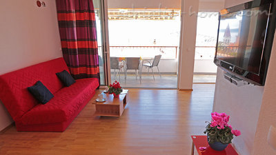Apartments Villa Flamingo 100m center, Makarska, Croatia - photo 5