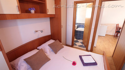 Ferienwohnungen Villa Flamingo 2-5 person 100m center Seaview, Makarska, Kroatien - Foto 4