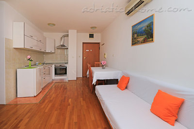 Apartments 2-5 person 100m from beach, Makarska, Croatia - photo 5