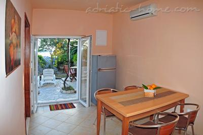Apartments DEA III, Hvar, Croatia - photo 3