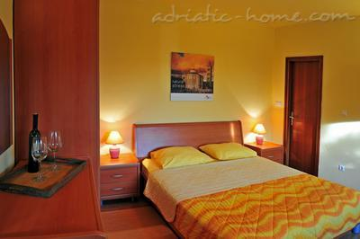 Apartments DEA 1, Hvar, Croatia - photo 4