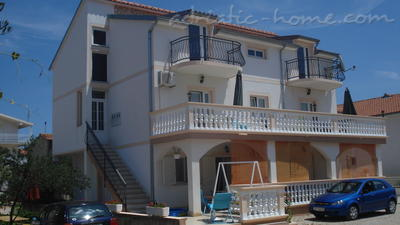 Apartments TAMARIS *** IV, Vodice, Croatia - photo 3