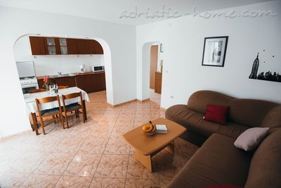 Apartments TAMARIS *** IV, Vodice, Croatia - photo 4