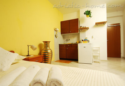 Studio apartment MIRELA III, Dubrovnik, Croatia - photo 3