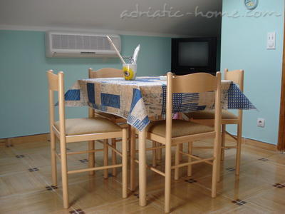 Apartments SANDRA***, Tivat, Montenegro - photo 3