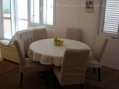 Apartments SANDRA II***, Tivat, Montenegro - photo 4