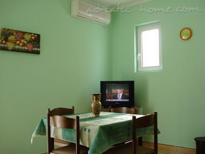 Apartments SANDRA II***, Tivat, Montenegro - photo 3