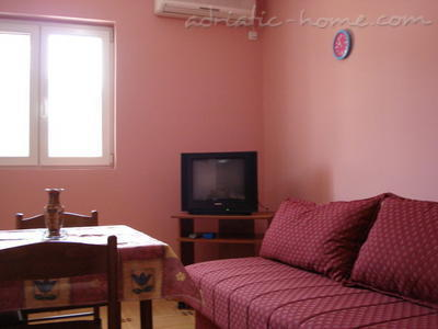 Apartments SANDRA III***, Tivat, Montenegro - photo 3