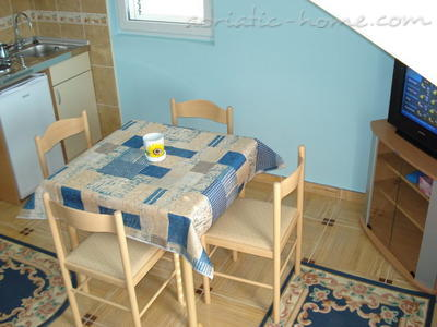 Apartments SANDRA IV***, Tivat, Montenegro - photo 4