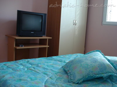 Apartments SANDRA I***, Tivat, Montenegro - photo 6