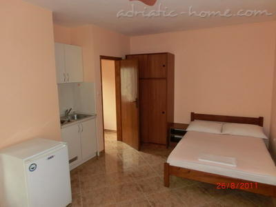 Studio apartment JOČIĆ, Tivat, Montenegro - photo 5