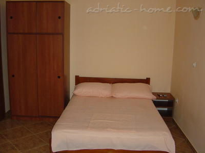 Studio apartment JOČIĆ, Tivat, Montenegro - photo 4