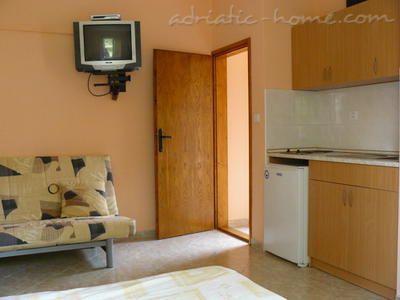 Studio apartment JOČIĆ II, Tivat, Montenegro - photo 5