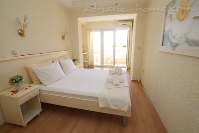 Apartments POROBIĆ, Herceg Novi, Montenegro - photo 2
