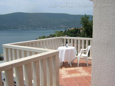 Studio apartment BOŽOVIĆ IV, Herceg Novi, Montenegro - photo 1