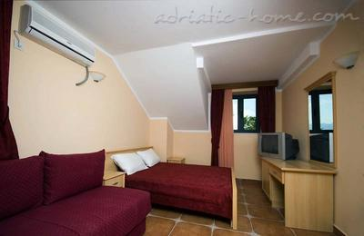 Rooms FANFANI II, Herceg Novi, Montenegro - photo 4