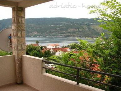 Apartments BELENI III, Herceg Novi, Montenegro - photo 1