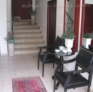 Apartment KEMAN II, Herceg Novi, Montenegro - photo 3