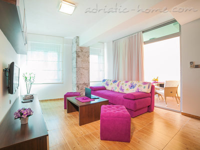 Apartments RAYMOND-One bedroom apartments with balcony, Sveti Stefan, Montenegro - photo 1